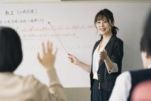 塾講師の授業風景